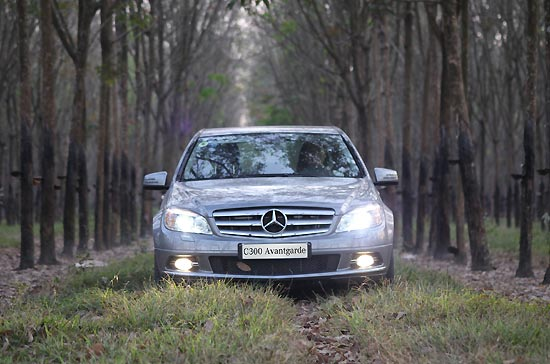 TEST DRIVE MERCEDES-BENZ C300 AVANTGARDE