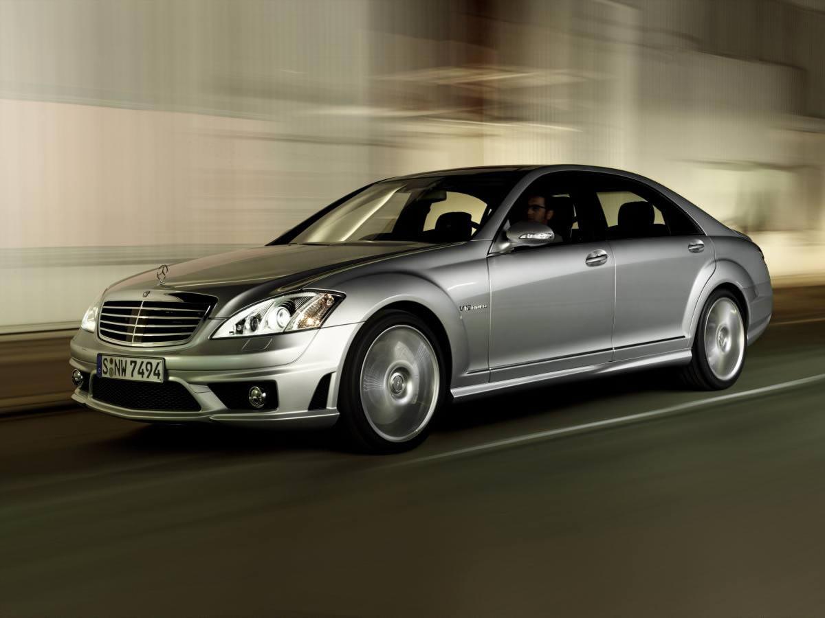 Mercedes-Benz Việt Nam hỗ trợ lãi suất vay mua xe