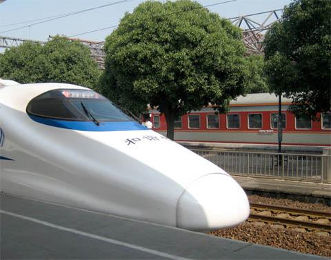 Trung Quốc xây dựng mạng lưới đường tàu trên cao