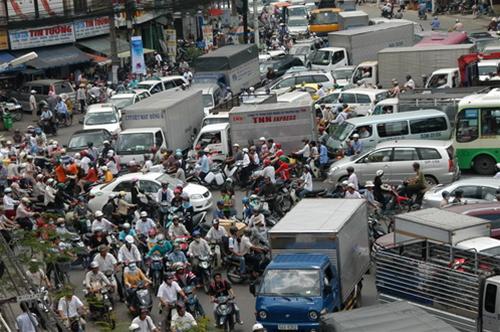 TP.HCM sẽ chống kẹt xe bằng thu phí và phạt