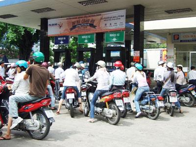 Bộ Tài chính yêu cầu chưa tăng giá xăng dầu