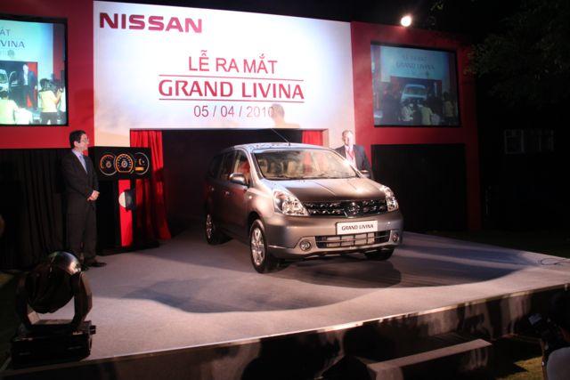 Hình ảnh lễ ra mắt xe Nissan Grand Livina