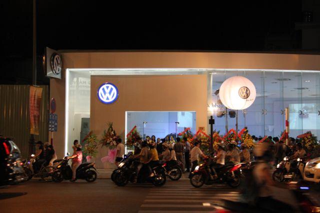 Volkswagen khai trương showroom TP.HCM