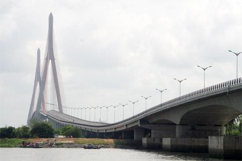 Cầu Cần Thơ thông xe: Nối nhịp bờ vui