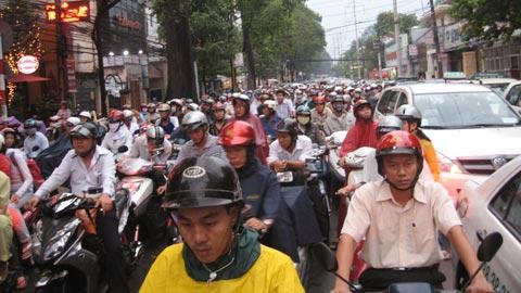 Văn hóa giao thông là... sẵn sàng phạm luật!
