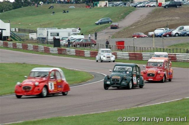 Tổng hợp cuộc đua 2CV Championship