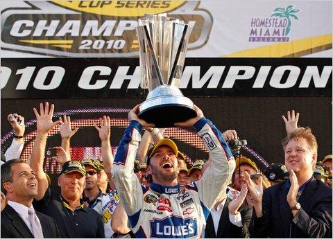 Jimmie Johnson giành chức vô địch mùa giải NASCAR 2010