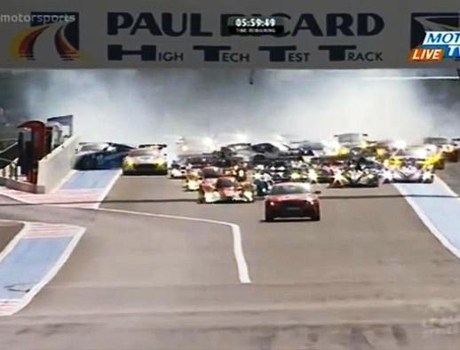 Video: Xe an ninh của giải Le Mans gây tai nạn