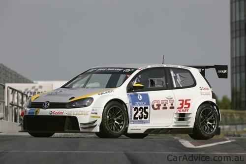 Volkswagen ra mắt phiên bản Golf 24 tại Nurburgring