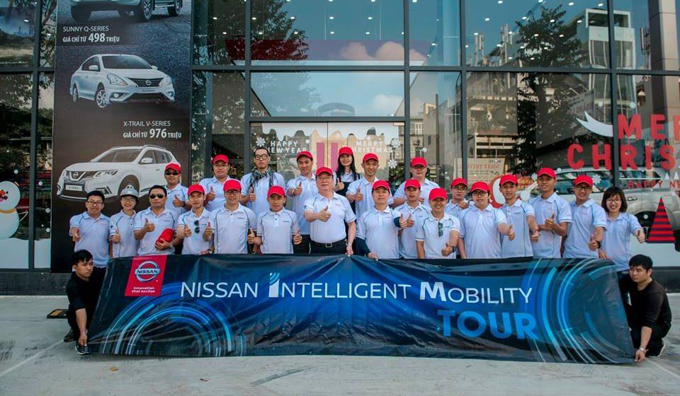 Nissan Intelligent Mobility – Hành trình cảm xúc: nắng gió, bụi đường, tuổi trẻ chỉ một lần đỏ thắm!