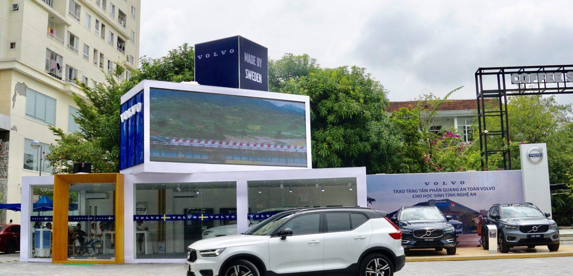 Volvo Mobile Showroom: Mang phong cách sống Thụy Điển đi khắp Việt Nam.