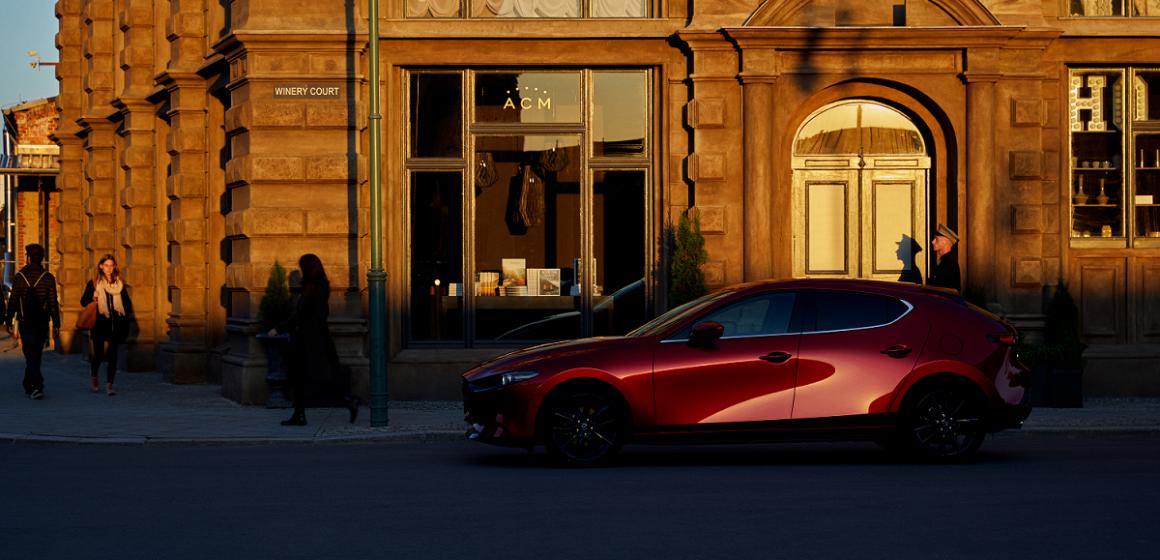"""Mazda3 hoàn toàn mới liên tiếp nhận các giải thưởng """"Xe Của Năm 2019""""."""
