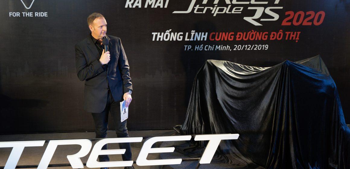 """Chính thức ra mắt Street Triple RS 2020 """"thống lĩnh cung đường đô thị""""."""