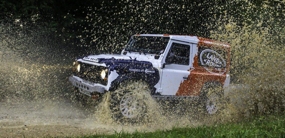 Jaguar Land Rover phát huy hiệu suất trên mọi địa hình của Bowler.