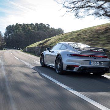 Porsche: Lợi nhuận sụt giảm do ảnh hưởng từ dịch Covid-19