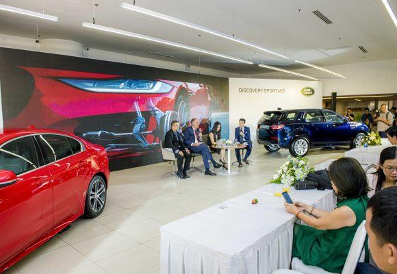 Chính thức ra mắt Jaguar XE và Land Rover Discovery Sport mới
