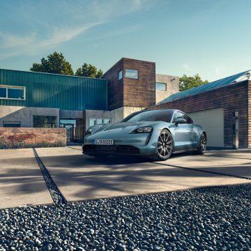Porsche Việt Nam công bố giá bán của dòng xe thuần điện Taycan