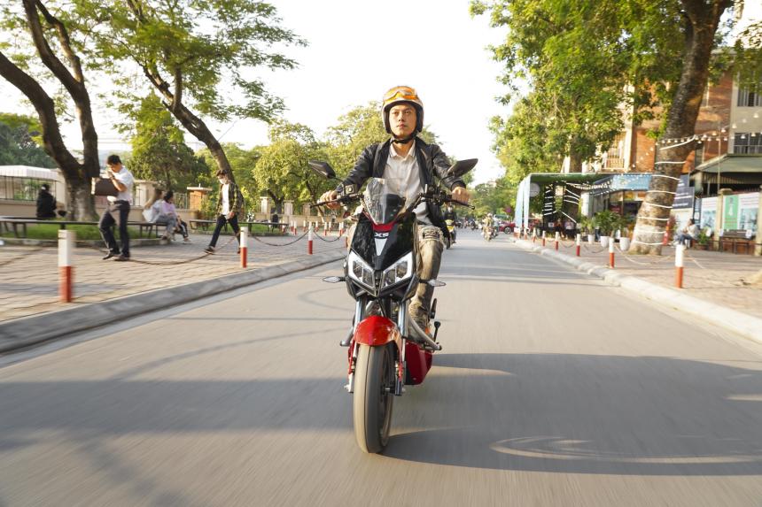 Người dùng chia sẻ trải nghiệm về YADEA X5: đậm chất thể thao đường phố, lái thú vị