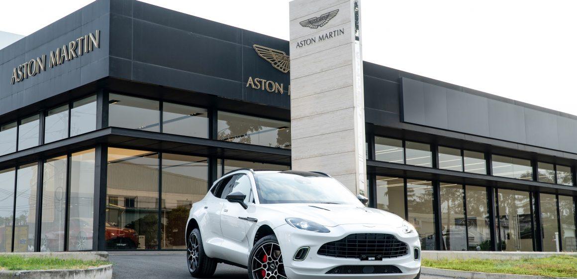 Aston Martin chính thức ra mắt siêu SUV DBX tại Việt Nam